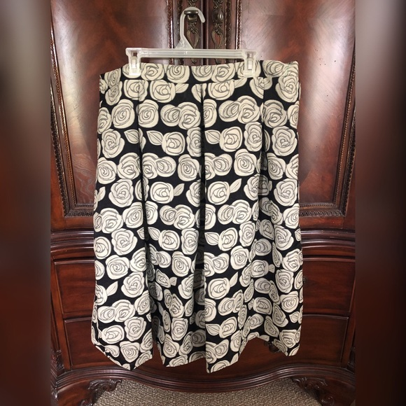 Who What Wear Dresses & Skirts - NWOT! Who what wear skirt! Sz 18W Classic look!